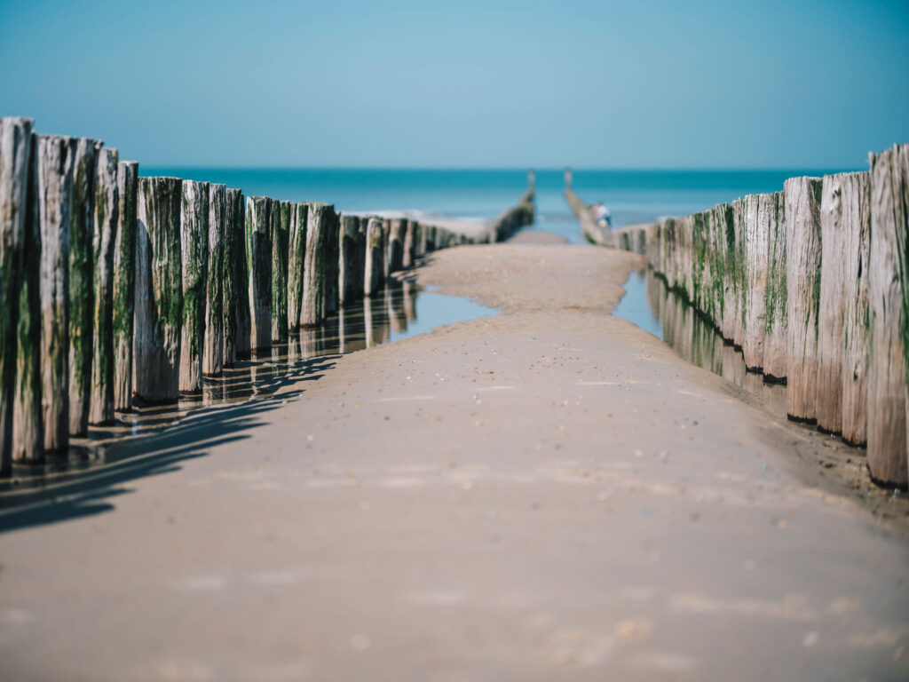 Strand in Domburg By Juuls
